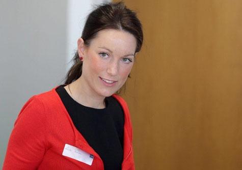 Fom Absolventin Linda Kaiser während eines BGM Symposiums in Duisburg