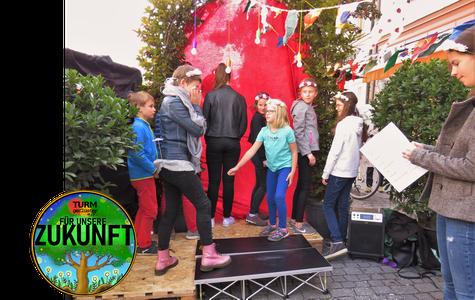 1. Parking Day in Fürstenfeldbruck: Aufführung im Gange