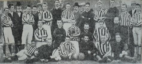 Die Borussenmannschaft im Jahre 1900 nach dem Spiel gegen Solingen 95.