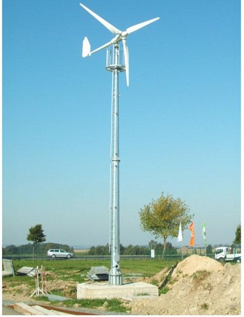 Kleinwindkraftanlage  mit 5 kW-Nennleistung auf freistehendem Turm