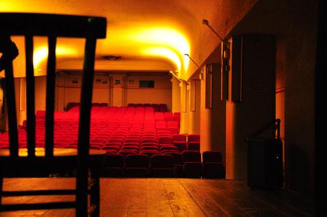 Il teatro Araldo ha un programma sperimentale, di compagnie giovani alternative