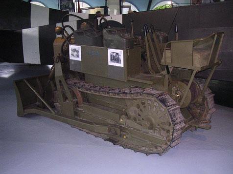Luftverlastbarer Bulldozer, der das Vorbereiten einer provisorischen Landefläche erlaubte.