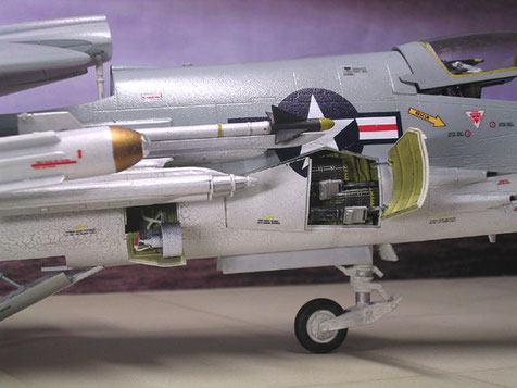 Grundbewaffnung beidseitig 2x 20mm Bordkanonen