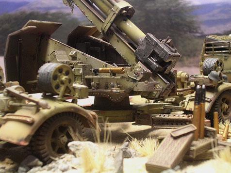 Munitionsreste...die letzte Granate in der Halterung der Zündereinstellung.