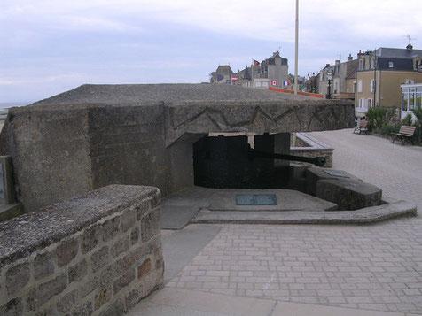 Die verbunkerten 5cm KwKs bereiteten den Briten erhebliche Schwierigkeiten den Strand unter Kontrolle zu bekommen.