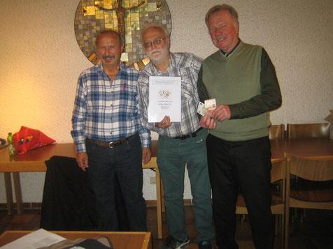 Das Siegerteam mit v.l. Günter Kopp (Spielleiter), Johann Lamprecht, Gottfried Paulus