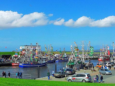 Kutter-Korso im Hafen - Juli/2017