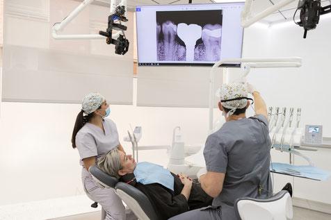 clínica dental integral bruno negri, bruno dentista, pilar de la horadada, calidad, implantes, dentista, dolor muela, empaste, bruno negri, odontologo, doctor, dr. bruno negri, periodoncia, cirugia oral, cirugia, alicante, especialistas, estetica dental,