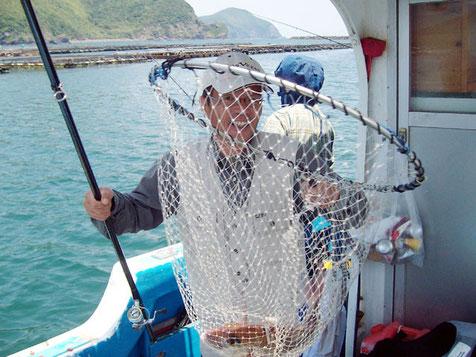 M田さんもよく釣ります^^ シマアジも釣りました