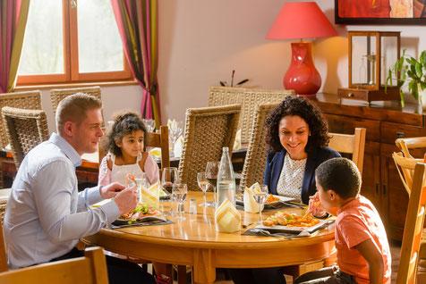 Repas au restaurant Les Lavandières de Fontaine - pas besoin de voiture!