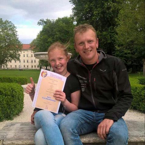 ... und wir gratulieren Lorena zum Junior Leistungsabzeichen