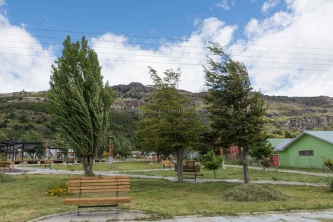 Der patagonische Wind bläst über die Plaza