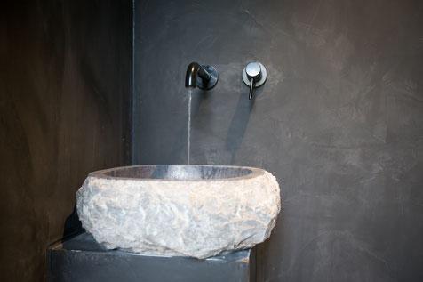 Betonlook toiletwand Grijs 80% - Beton cire Nederland