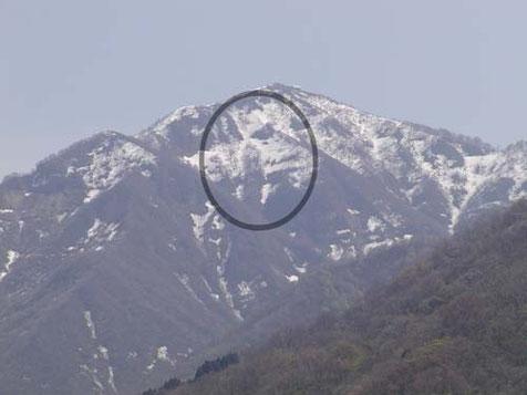 米山の「アネさん」の雪形