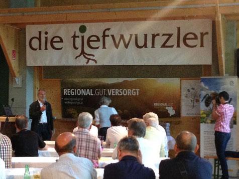 Ganz prominent: Heinz Sperlbauer referiert über REGIONAL.GUT am Bau-Infoabend der Firma Wolfthal in Laussa