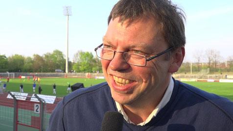 TeBe Geschäftsführer Andreas Voigt schwor auf Trainer Daniel Volbert. Foto: Christian Zschiedrich
