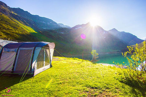 Camping am Zeinisee mit Outwell Zelt
