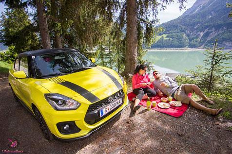 Picknick am Reschensee mit dem Suzuki Swift Sport