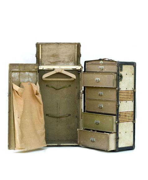 Overseas Suitcase of Robert F. Kennedy · © CAMERA WORK