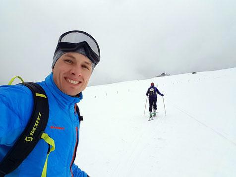 Skitour mit meiner Mutter - kurz unter dem Hotel Chasseral