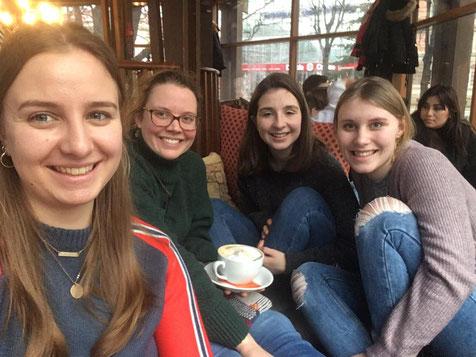 Anna - Maria, Catalina, Madeleine und Emelie in Riga