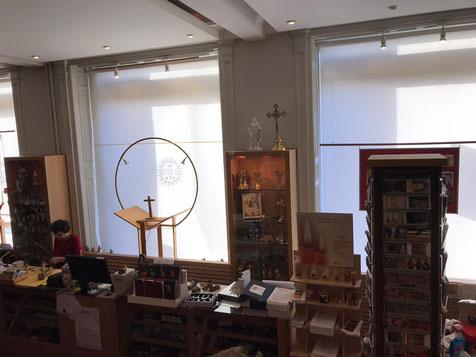 In der katholischen Buchhandlung in Stockholm findet man mehr als nur Bücher