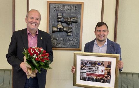 Rainer Bischoff (l.) ist neuer Bündnissprecher. Mit ihm freut sich Bündnis-Geschäftsführer Bulut Surat