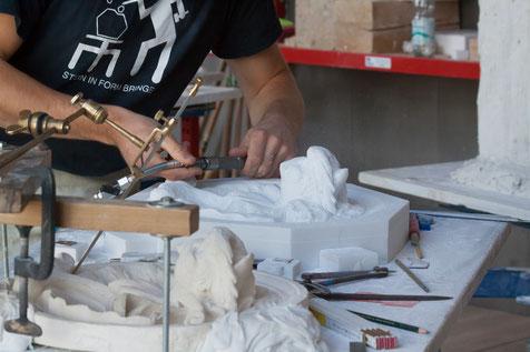Steinmetz Schwedt - Handwerkliche Bearbeitung von Naturstein, Punktieren