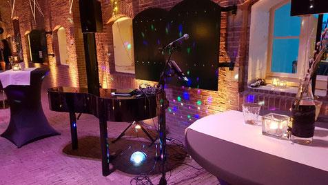 Live Achtergrondmuziek met Pianist en Zangeres voor uw bruiloft
