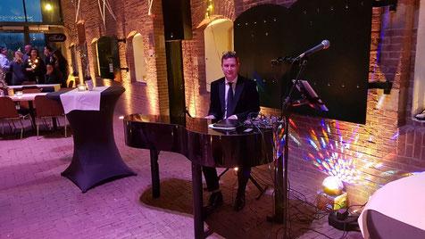 Live Achtergrondmuziek met Pianist en Zangeres