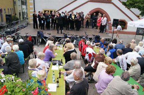 Marktplatz Volkach - Tag des Chorliedes - 300613