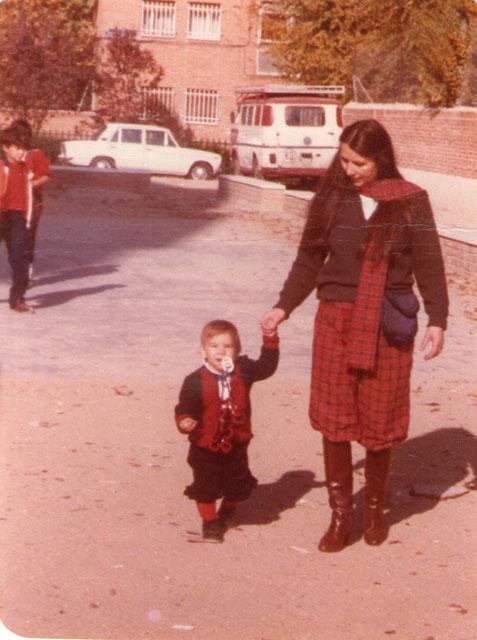 Con mami. F. Pedro. P. Privada.