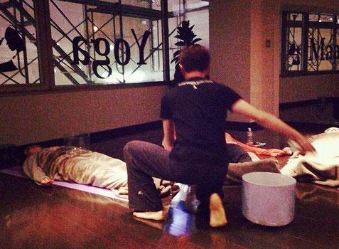2014年2月 小林愛さんとのコラボvol.2  サウンドヒーリング                     (Yoga Maalaさんにて)