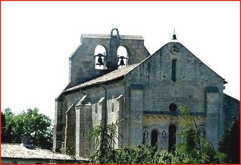 L'Eglise Saint Pierre - Le côté Sud et le Chevet