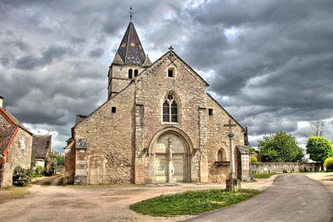Eglise Saint Just de Fontaines, Saône et Loire, Bourgogne