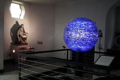st. hubertus, jaegersfreude, abbild der erde, glaskunst von markus hohlstein