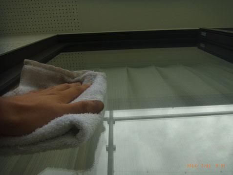 窓の清掃。熊本Y様邸