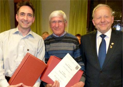 Ehrung 2017 - Vorsitzender Roger Schmidt 10J und Ernst Sauer 40J,  SG-Vorsitzender Paul Werner.
