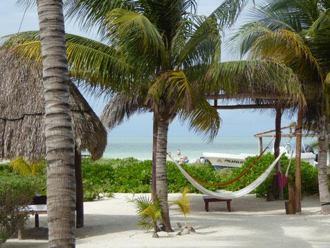 Playa del Carmen é uma cidade situada direitamente na beira do mar. Foto da praia de Holbox.