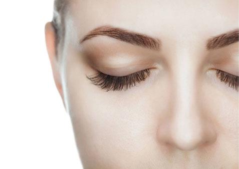 Wimpernverlängerung in der Beauty & Wellness Auszeit Affing