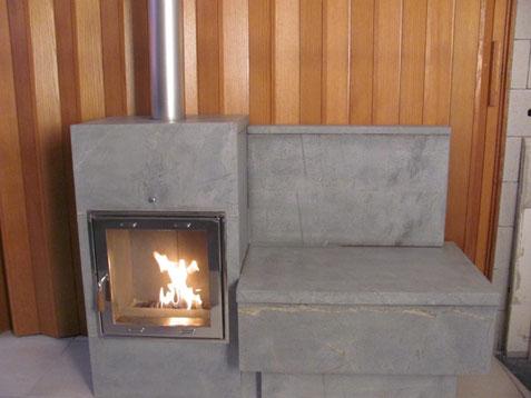 neuheit ofen mit beheizter sitzbank ohne kamin und arbeit mit echtem feuer ofenbau kusters. Black Bedroom Furniture Sets. Home Design Ideas