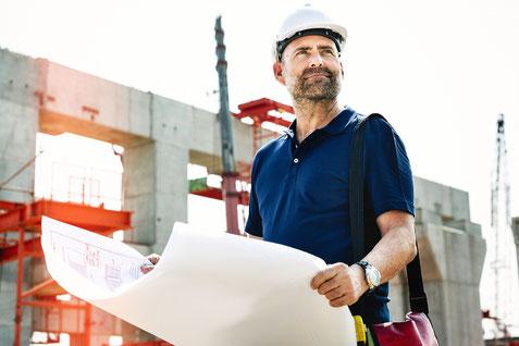 Um Neubauten wie Einfamilienhäuser, Reihenhäuser und Mehrfamilienhäuser schneller bezugsfertig zu bauen werden immer öfter technische Bautrockner zur Senkung der Luftfeuchtigkeit im Innenraum des Baukörper eingesetzt.