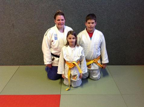 Trainerin Conni Augustin mit Zoé und Kilian