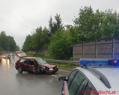 Feuerwehr; Blaulicht; FF Bad Ischl; Unfall; B145;