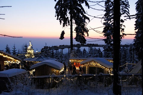 Weihnachtsmarkt am Waldwipfelweg in Sankt Englmar, Foto WaldWipfelWeg GmbH