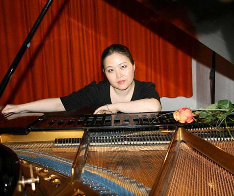 Theresia-Lu Bai Klavier und musikalische Leitung