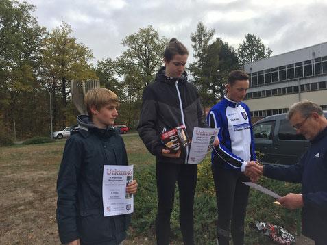 Hannes Herrmann (PSV Burg) gewinnt die 2,9 Kilometer vor Emil Simon aus Biederitz und Lucas Selonke (Germania Tangerhütte). Foto: Alpha-Report