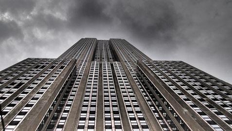 """Ce qui fut synonyme de réussite et puissance, maintenant """"has been"""" et """"anachronique"""" : """"The Empire State Building"""""""