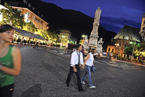 Urlaub in Südtirol Vacanza in Alto Adige Bozen Brixen Meran Sterzing Bruneck Vipiteno Merano Bolzano Brunico Bressanone Südtirol Gourmet Gourmet Südtirol Alto Adige Bar Café GourmetGuide Suedtirol Alt