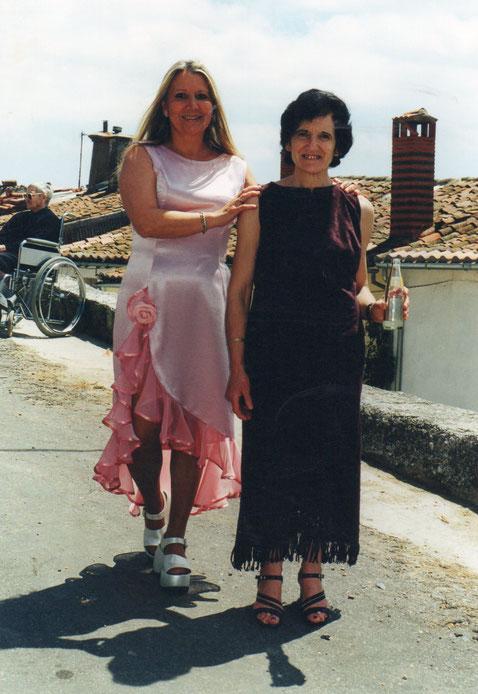 Con mi amiga Engracia. F. P. Privada. Pedro.